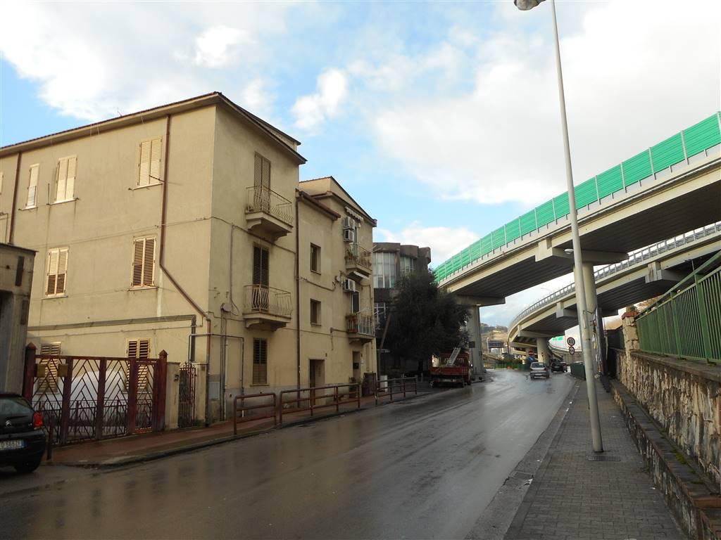 Quadrilocale in Via Irno 211, Irno, Salerno