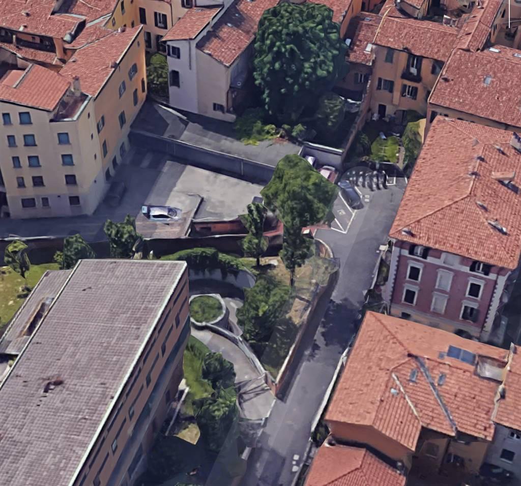 Garage / Posto auto in Via San Felice 63, Bologna