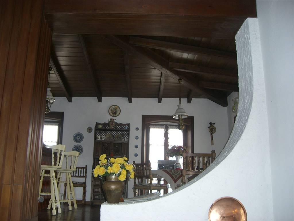 Villa in vendita a Brugnato, 6 locali, prezzo € 230.000 | CambioCasa.it