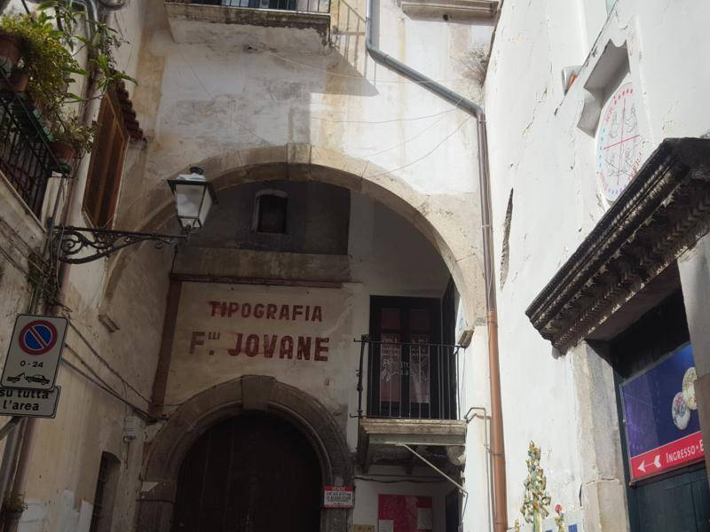 Appartamento in vendita a Salerno, 6 locali, zona ro Storico, prezzo € 600.000 | PortaleAgenzieImmobiliari.it