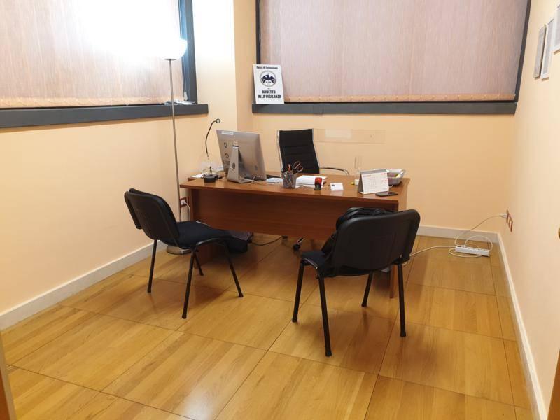 Ufficio / Studio in vendita a Salerno, 3 locali, zona Località: SAN LEONARDO, prezzo € 98.000 | CambioCasa.it