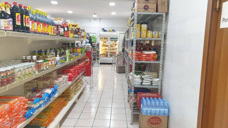 Immobile Commerciale in vendita a Salerno, 9999 locali, zona Zona: Centro, prezzo € 165.000   CambioCasa.it