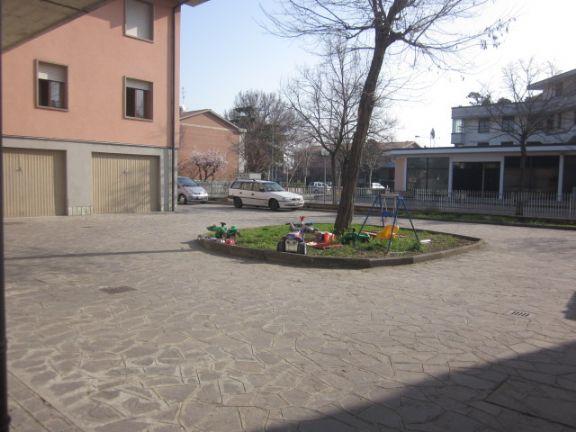 parte di cortile condominiale - Rif. moovest15r