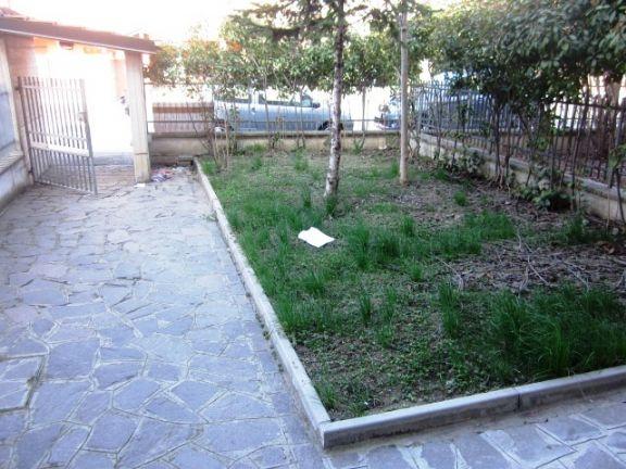 giardino privato - Rif. moovest15r