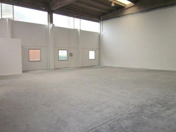 Capannone industriale, Cittadella, Modena, seminuovo