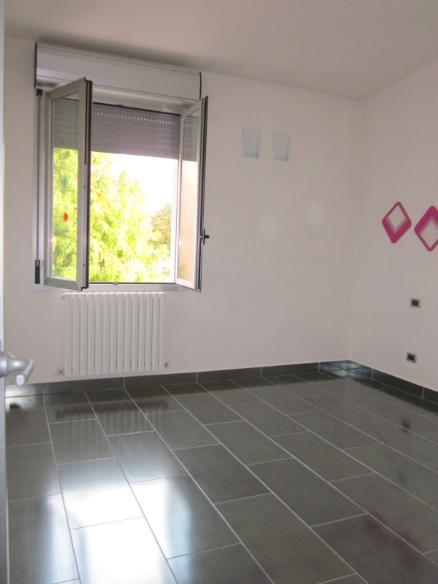 2^ camera di 3 - Rif. mosfau122*