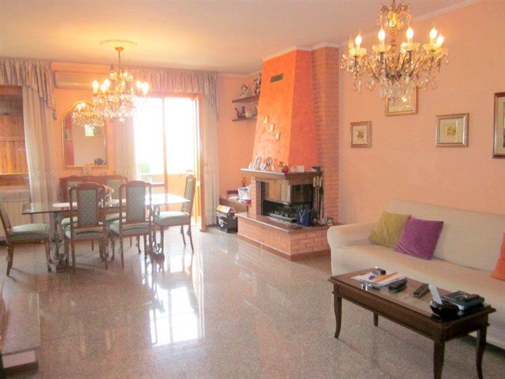 Villa a schiera, Cittadella, Modena, in ottime condizioni