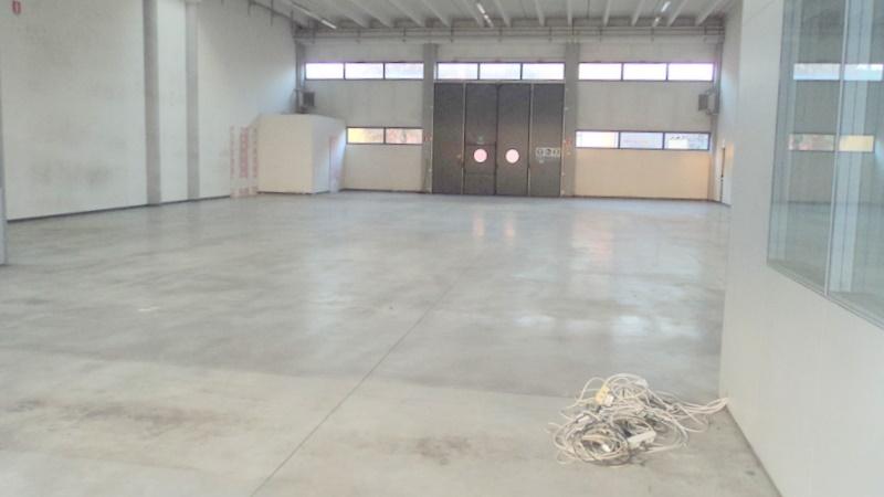 Capannone industriale, Centro Storico, Modena, seminuovo