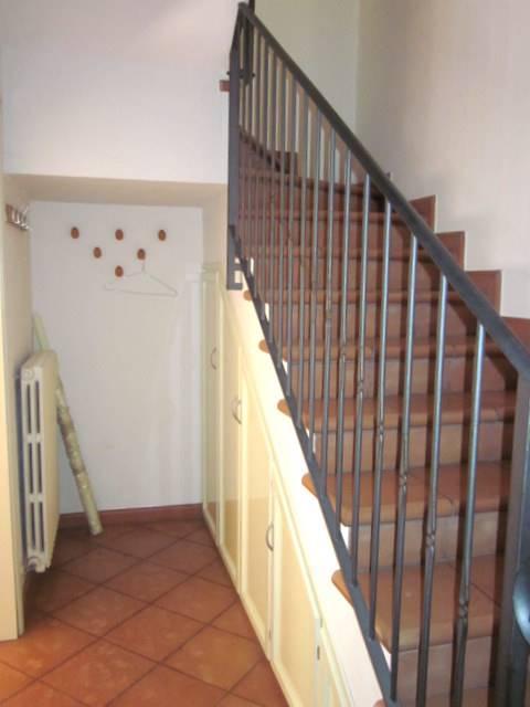 scale al primo piano - Rif. sance15