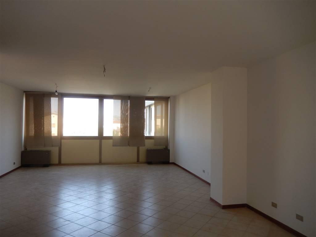 Ufficio / Studio in affitto a Sassuolo, 4 locali, prezzo € 900 | CambioCasa.it