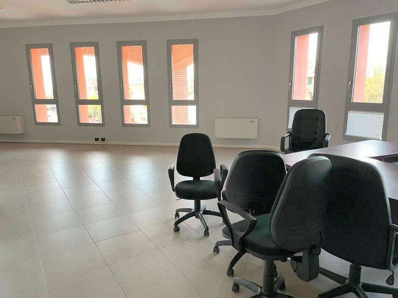 Ufficio / Studio in affitto a Fiorano Modenese, 3 locali, prezzo € 650 | CambioCasa.it