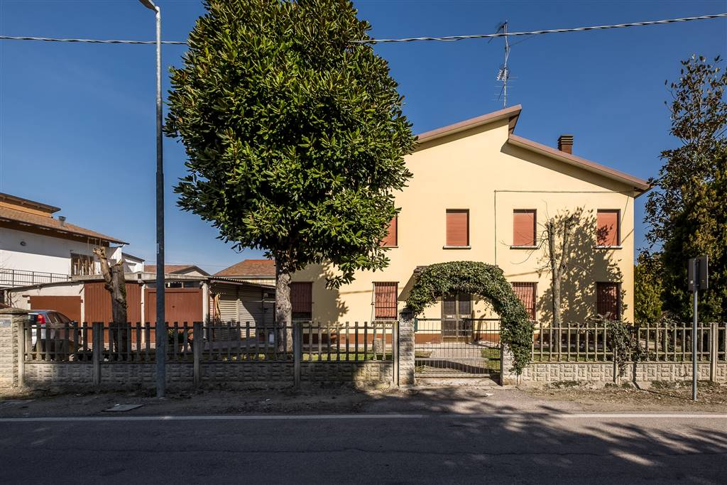 Villa, Casumaro, Cento