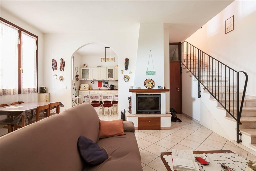 Villa a schiera, Castello D'argile, in ottime condizioni