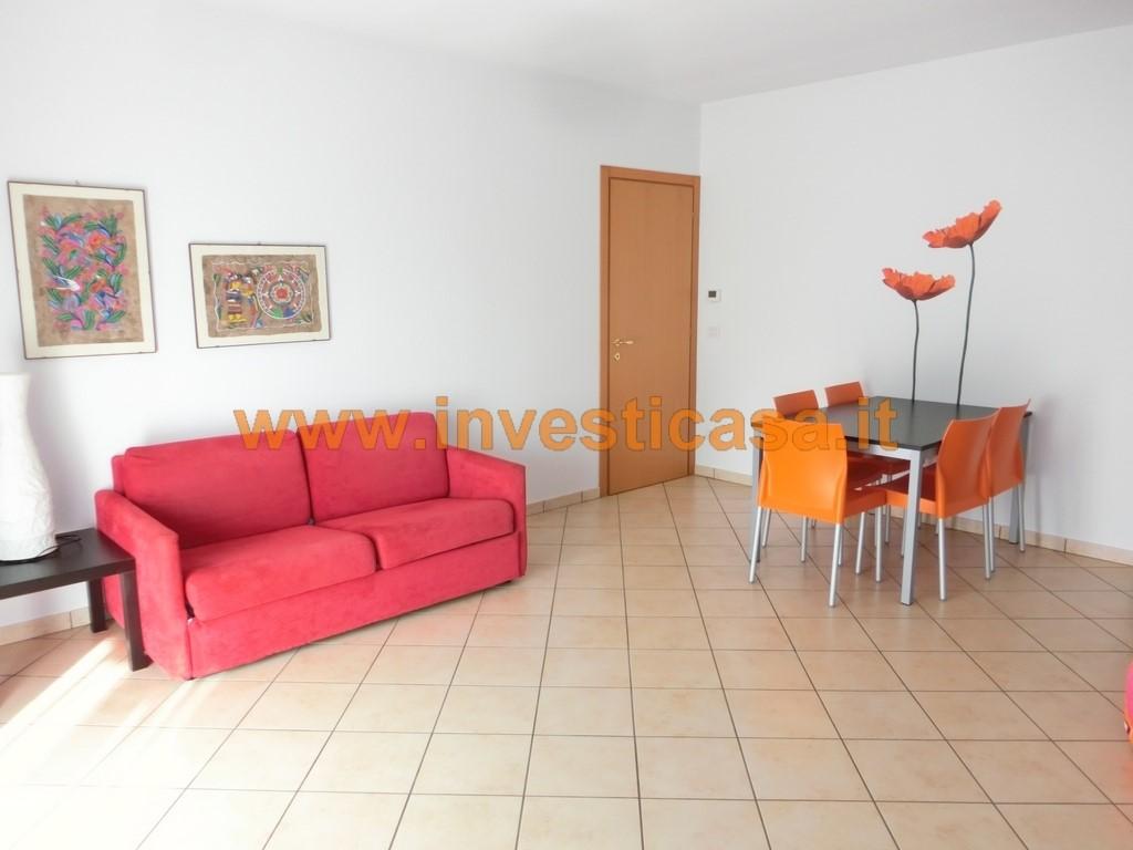 Appartamento in affitto a Lazise, 2 locali, prezzo € 580 | CambioCasa.it