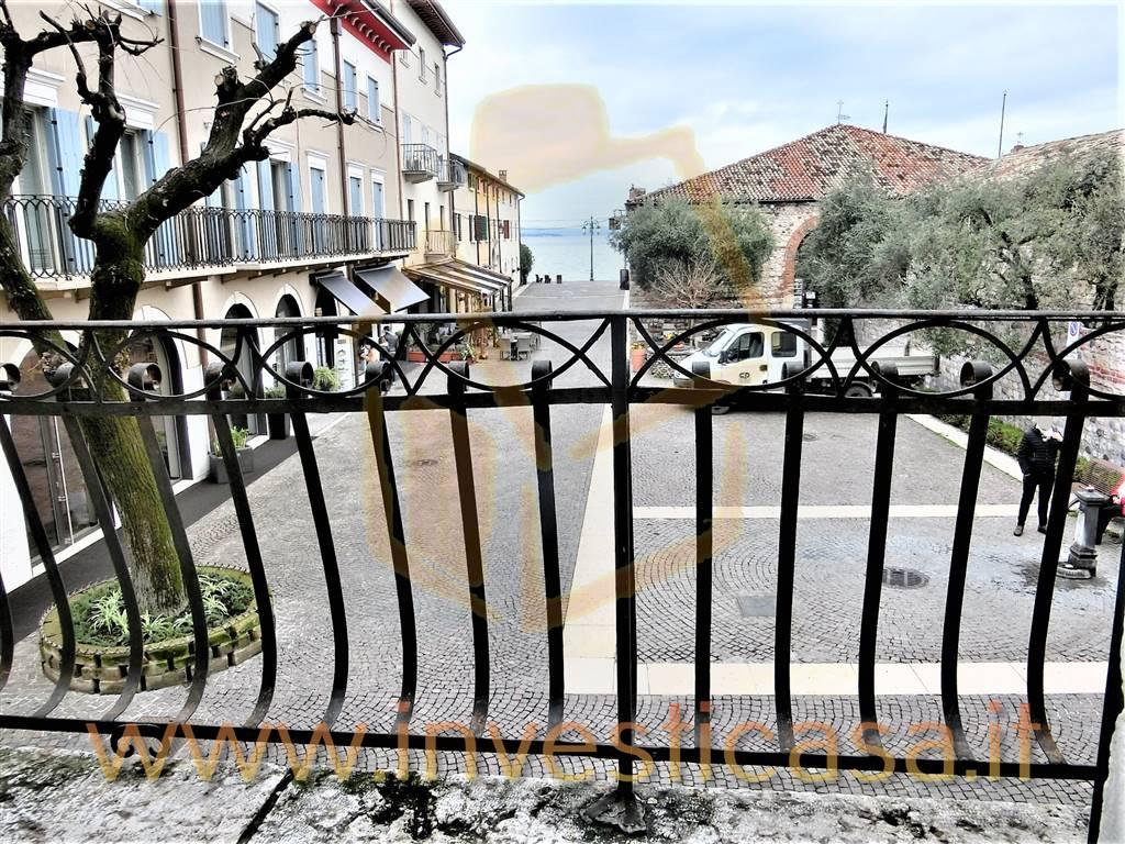 Appartamento in affitto a Lazise, 4 locali, prezzo € 790 | CambioCasa.it