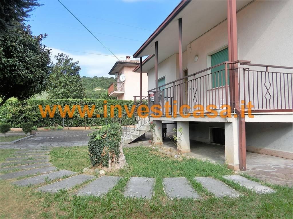 Villa in vendita a Cavaion Veronese, 4 locali, zona Località: SEGA, prezzo € 300.000 | CambioCasa.it