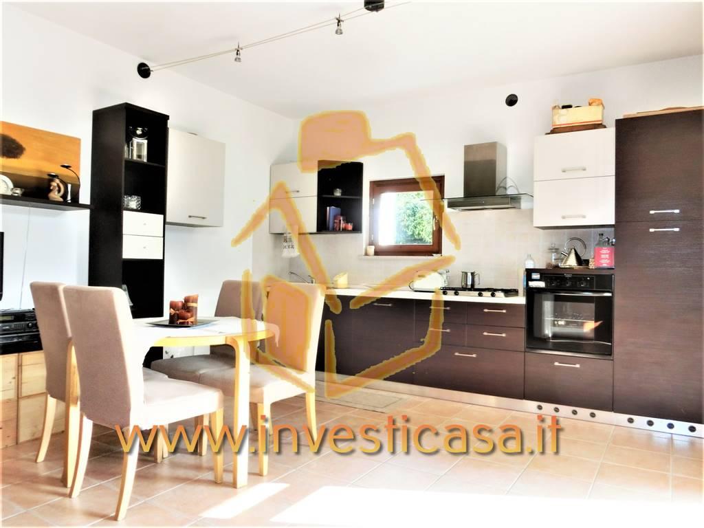 Villa a Schiera in vendita a Peschiera del Garda, 4 locali, prezzo € 298.000 | CambioCasa.it