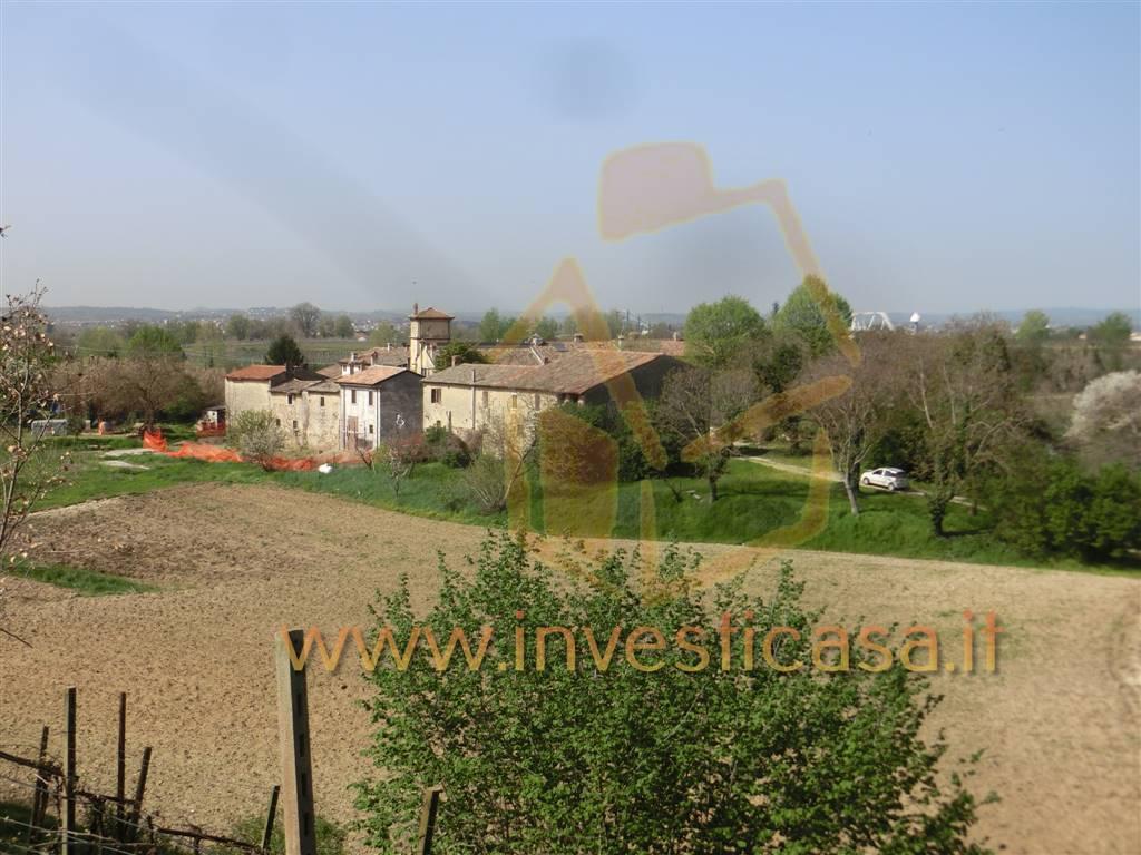 Rustico / Casale in vendita a Lazise, 5 locali, zona Località: PACENGO DI LAZISE, Trattative riservate | CambioCasa.it
