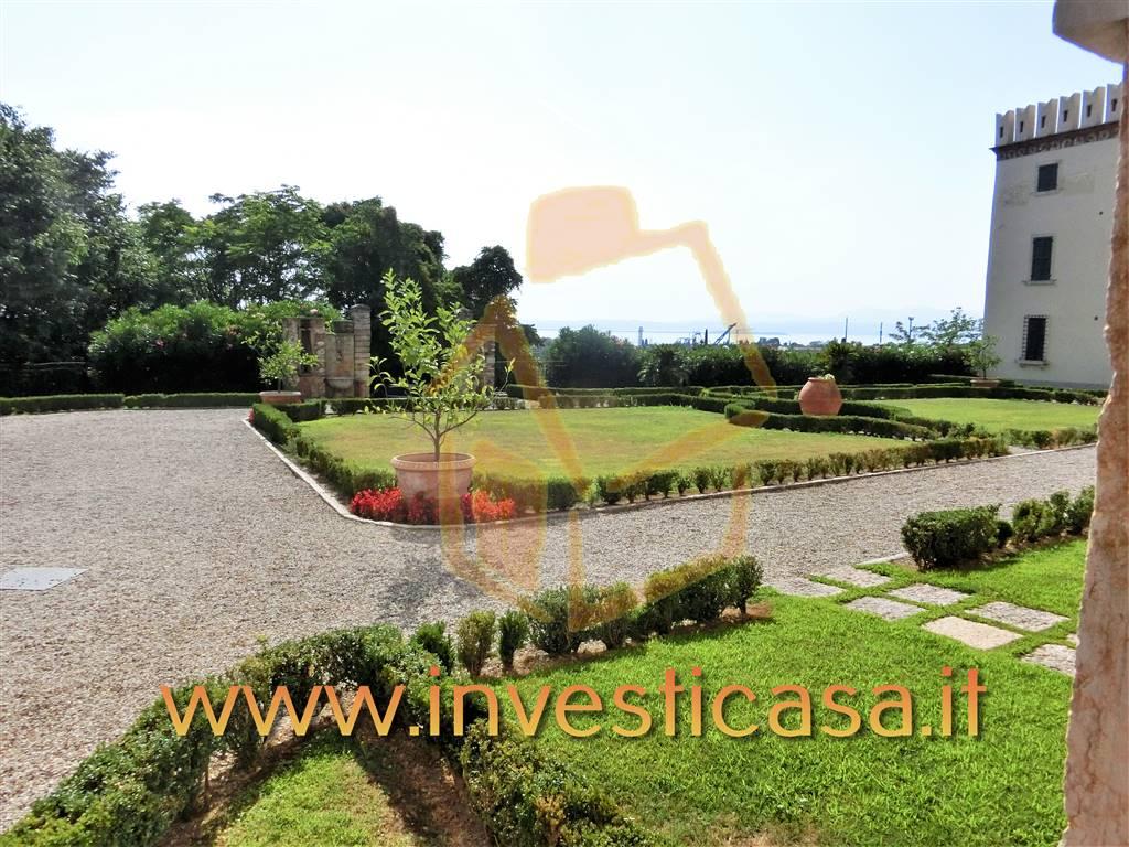 Appartamento in vendita a Lazise, 2 locali, zona Località: COLA' DI LAZISE, prezzo € 265.000 | CambioCasa.it