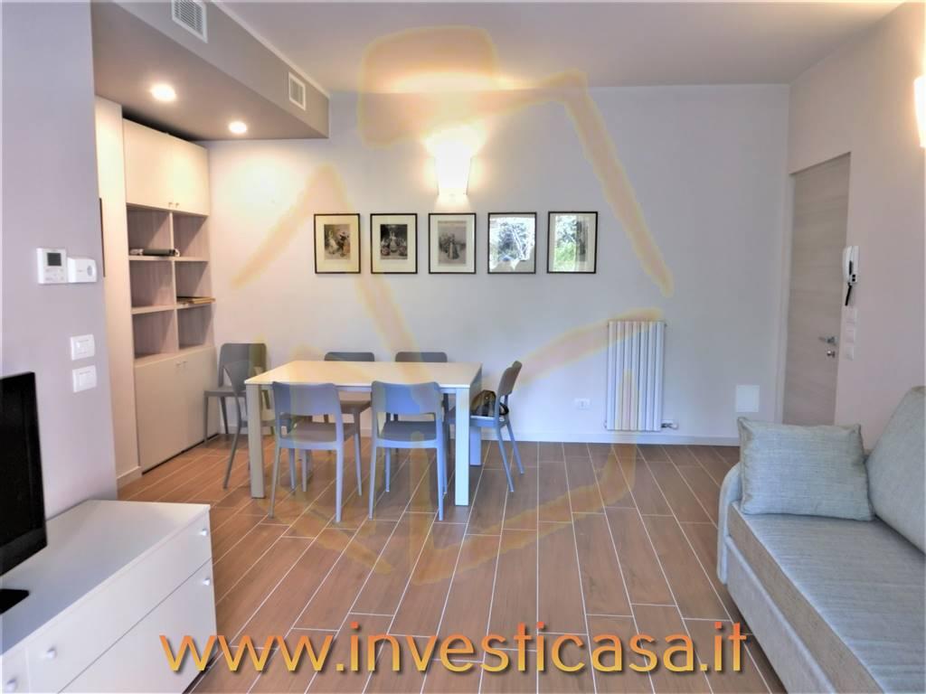 Appartamento in affitto a Lazise, 3 locali, prezzo € 1.000 | CambioCasa.it