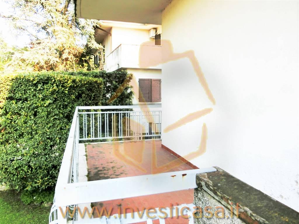 Appartamento in affitto a Lazise, 2 locali, prezzo € 490   CambioCasa.it