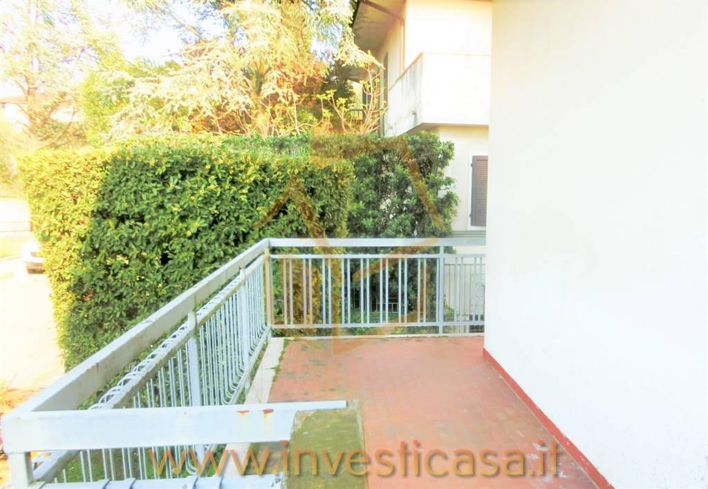 Appartamento in affitto a Lazise, 2 locali, prezzo € 490 | CambioCasa.it