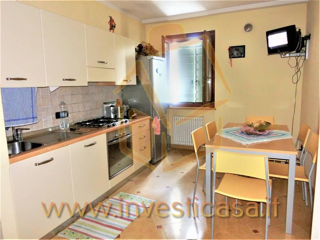 Appartamento in vendita a Lazise, 2 locali, prezzo € 215.000 | CambioCasa.it