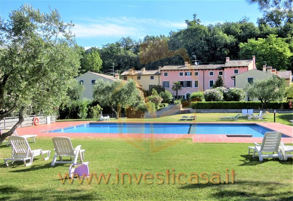 Appartamento in affitto a Bardolino, 3 locali, prezzo € 1.000 | CambioCasa.it