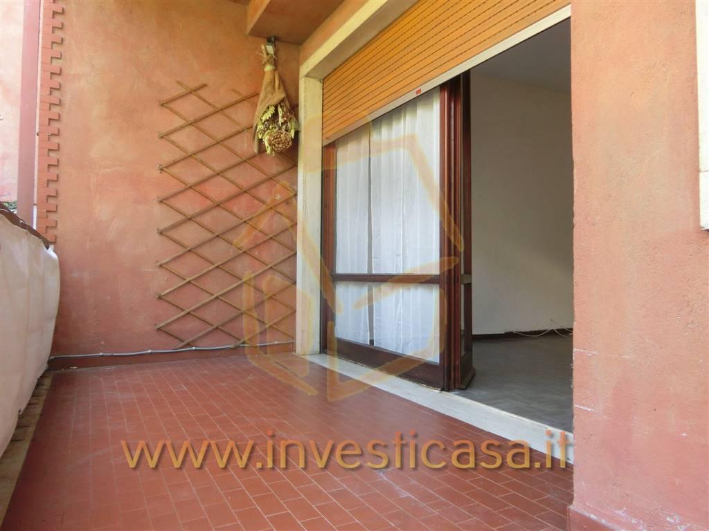 Appartamento in affitto a Lazise, 3 locali, prezzo € 650 | CambioCasa.it