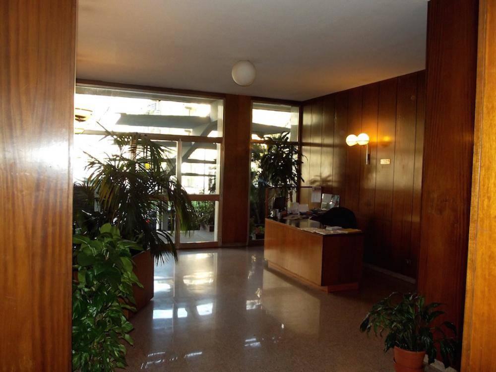 BIANCA DI SAVOIA, MILANO, Ufficio in affitto di 160 Mq, Buone condizioni, Riscaldamento Centralizzato, Classe energetica: F, Epi: 168,88 kwh/m3 anno,