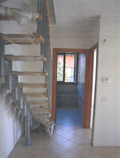 VETERNIGO, frazione di Santa Maria di Sala, appartamento duplex di recente costruzione, mai abitato, riscaldamento autonomo, composto da