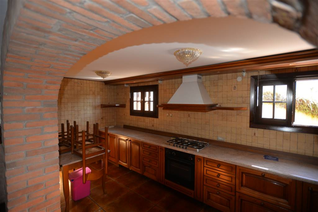 SANT'ANGELO DI SALA, SANTA MARIA DI SALA, Villa for sale of 350 Sq. mt., Excellent Condition, Heating Individual heating system, placed at Ground on