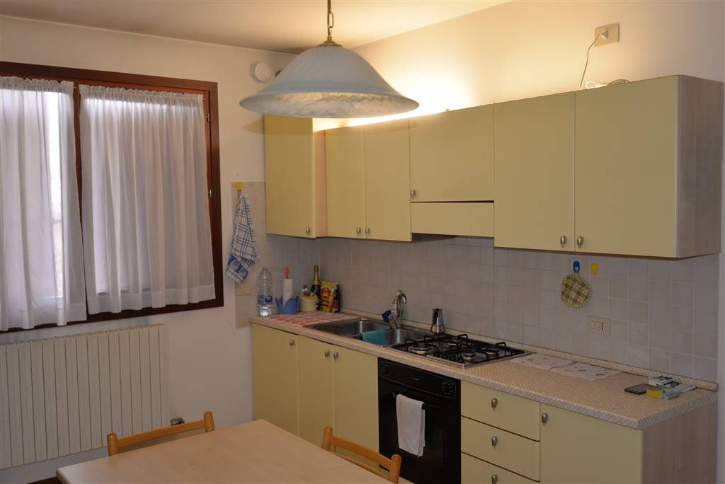 SALZANO, Apartment for rent of 45 Sq. mt., Excellent Condition, Heating Individual heating system, Energetic class: C, Epi: 85,85 kwh/m2 year, placed