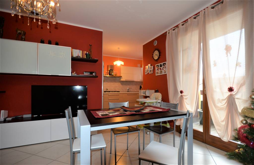SALZANO, Apartment for sale of 75 Sq. mt., Excellent Condition, Heating To floor, Energetic class: C, placed at 2° on 4, composed by: 3 Rooms, Show