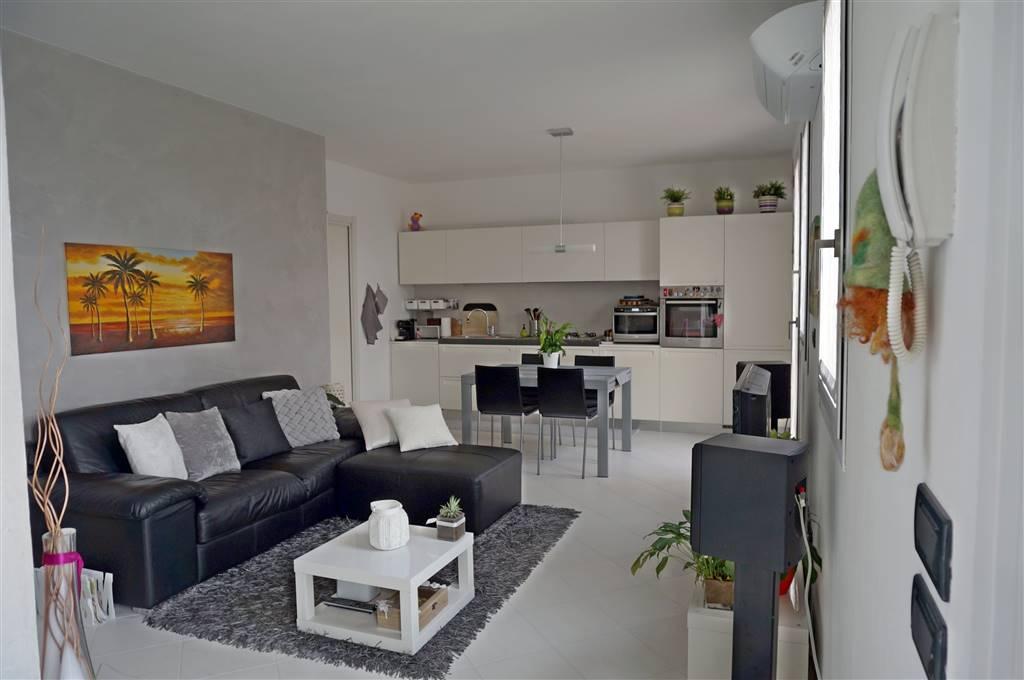 In contesto di sole 7 unità abitative, ed in prossimità del centro di SANTA MARIA DI SALA, stupendo mini appartamento con ingresso indipendente e