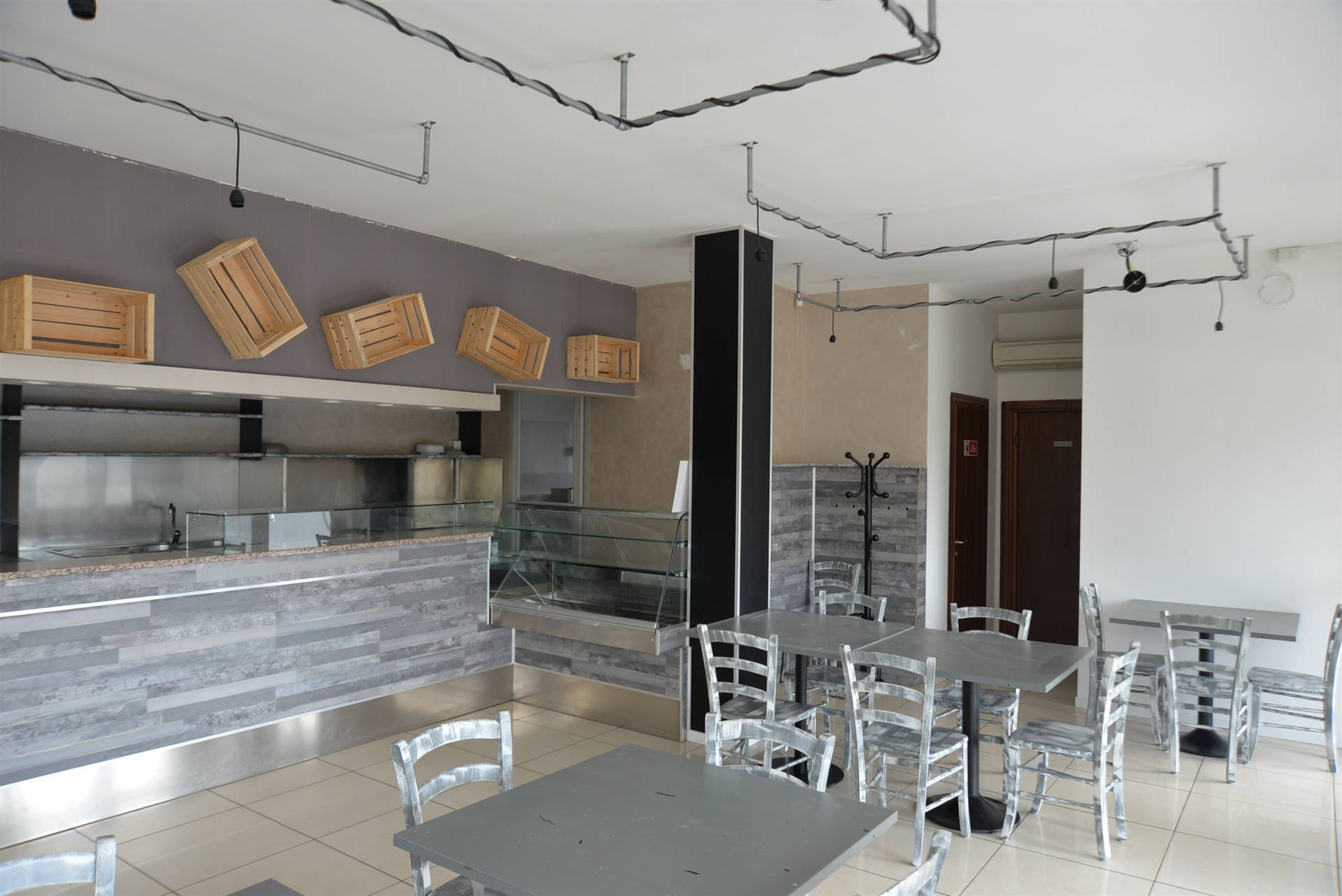 MELLAREDO, PIANIGA, Shop for rent of 80 Sq. mt., Good condition, Heating Individual heating system, placed at Ground on 3, composed by: 2 Rooms, 2