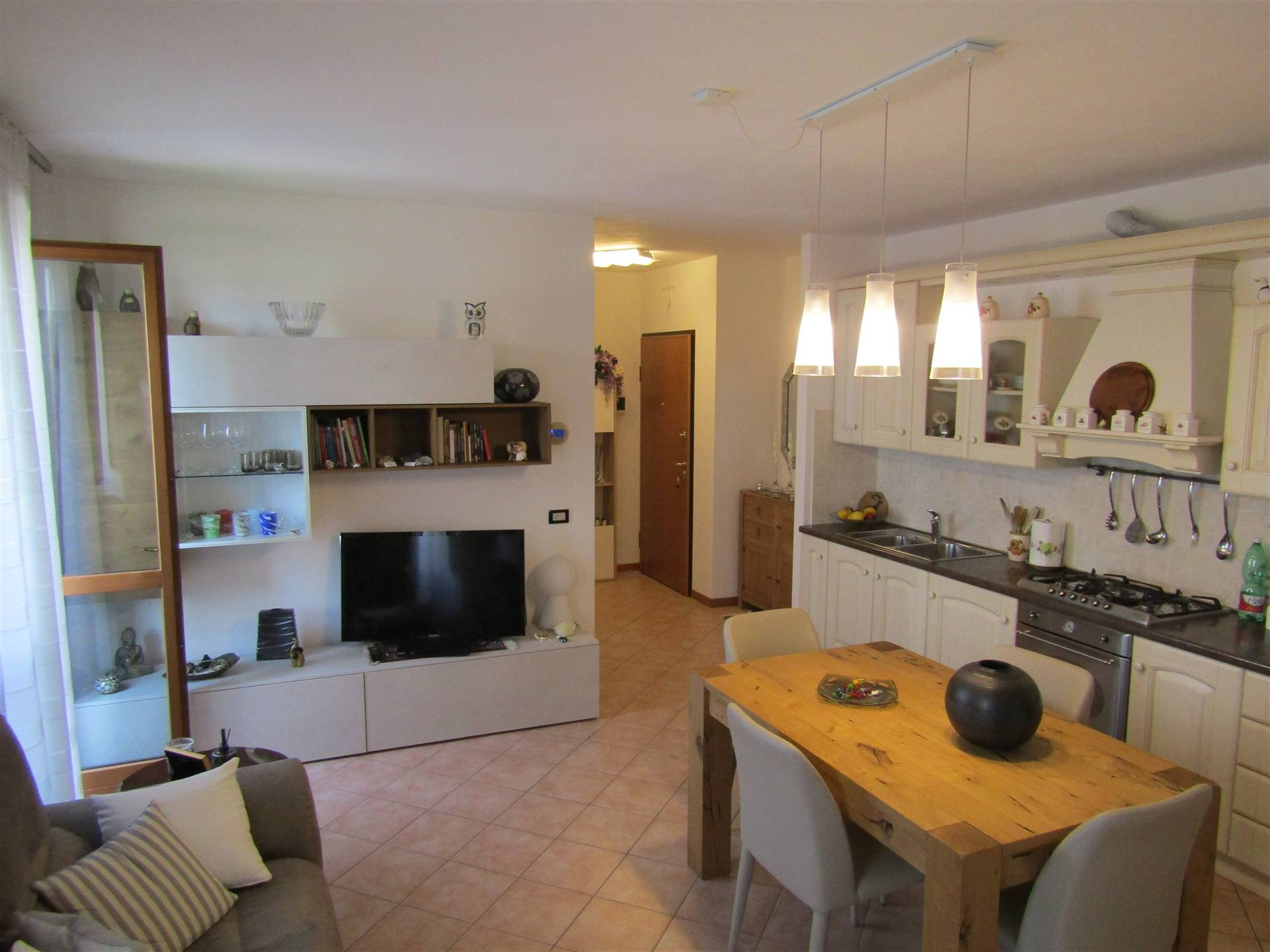VETREGO, MIRANO, Apartment for sale, Habitable, Heating Individual heating system, Energetic class: G, placed at 1° on 3, composed by: 3 Rooms,