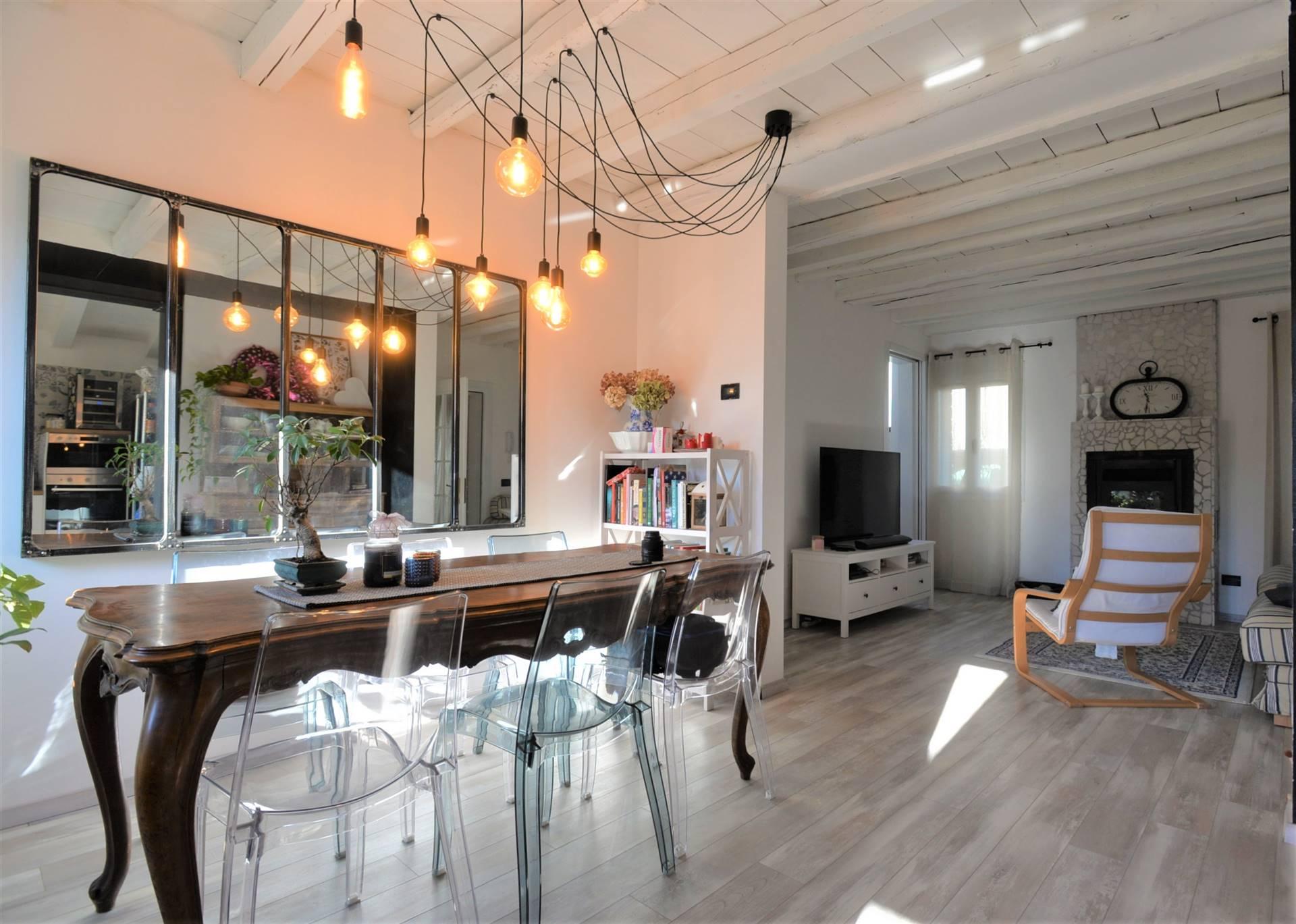 PARROCCHIA SAN BARTOLOMEO APOSTOLO IN SALZANO, SALZANO, Semi detached house for sale of 110 Sq. mt., Restored, Heating Individual heating system,
