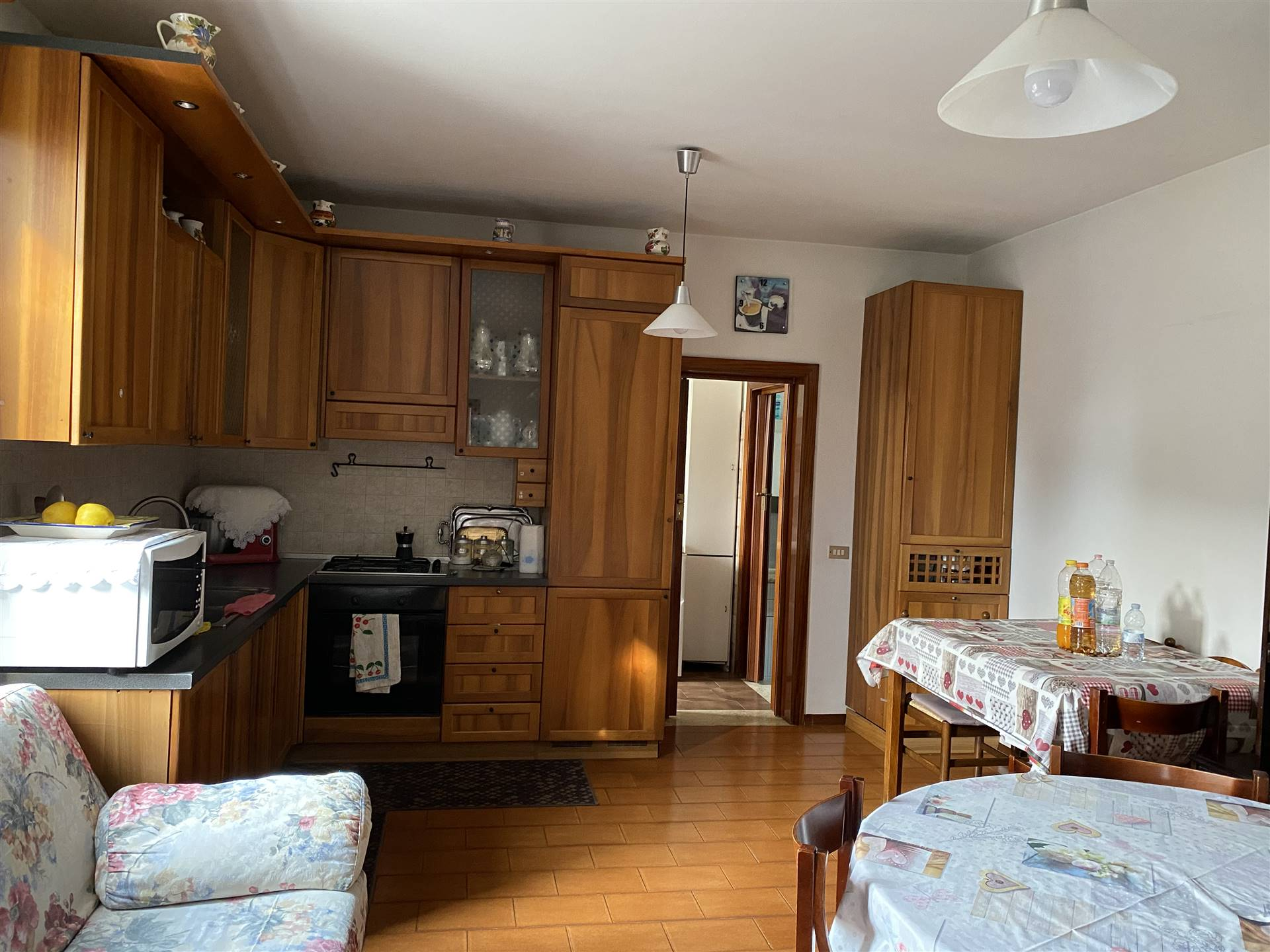 ZIANIGO, MIRANO, Doppelhaus zu verkaufen von 110 Qm, Gutem, Heizung Unabhaengig, am boden 1° auf 1, zusammengestellt von: 5 Raume, Separate Küche, ,