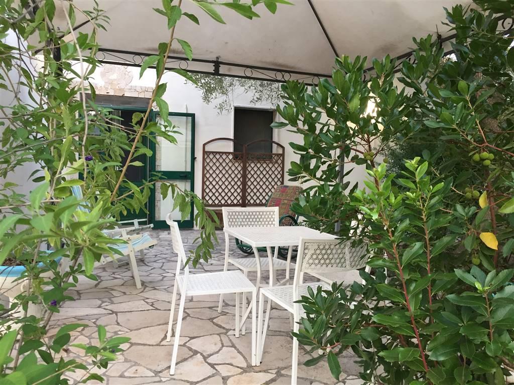 Villa in affitto a San Vito dei Normanni, 2 locali, prezzo € 250   CambioCasa.it