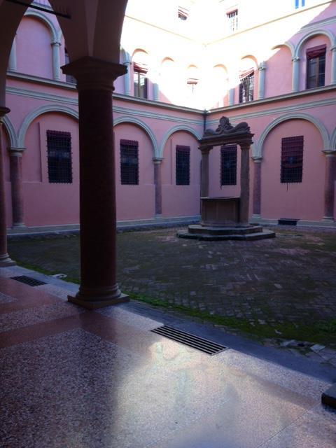 Bilocale in Via Nazario Sauro, Centro Storico, Bologna