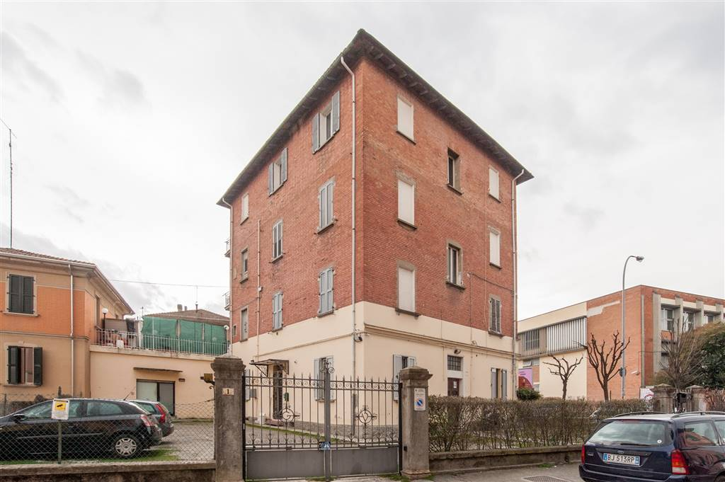 Trilocale in Via Primaticcio, Bolognina, Bologna