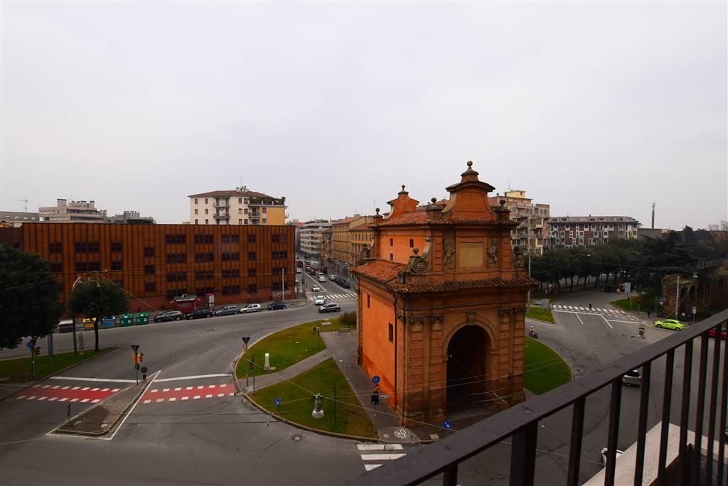 Quadrilocale in Via Delle Lame  160, Centro Storico, Bologna