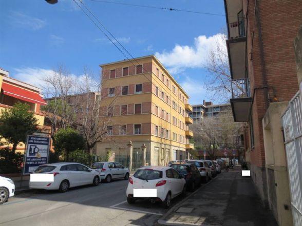 Trilocale in Via Procaccini, Bolognina, Bologna