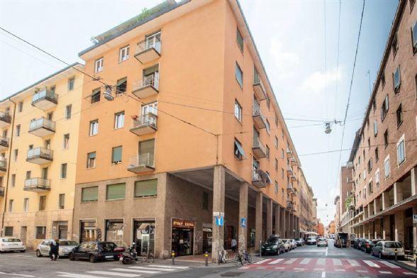 Trilocale in Via Borgo San Pietro, Centro Storico, Bologna