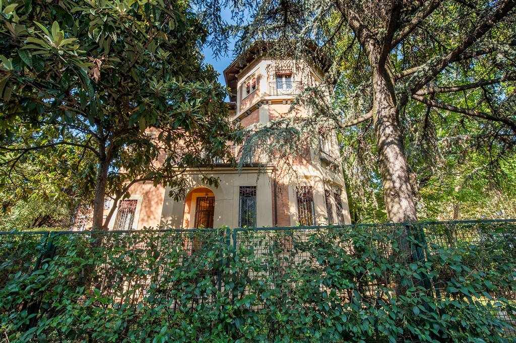 Villa in Laura Bassi 47, Murri,giardini Margherita, Bologna
