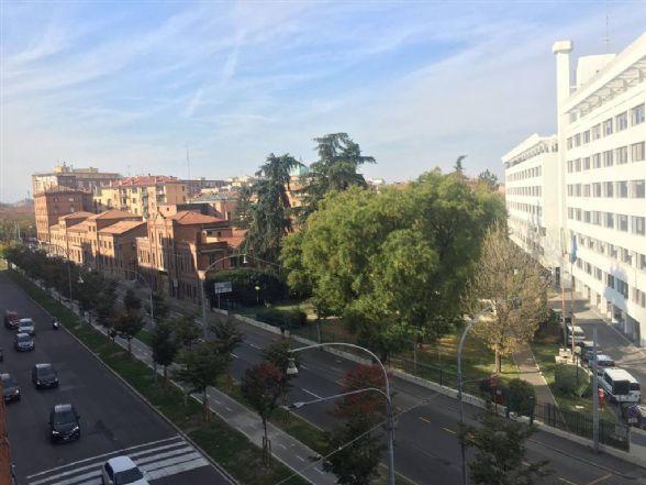 Quadrilocale in Viale Silvani  3/7, Centro Storico, Bologna