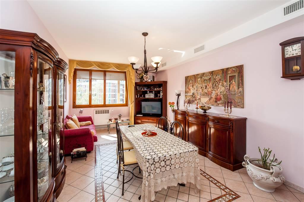 Appartamento in Via Vizzani  76, Bologna