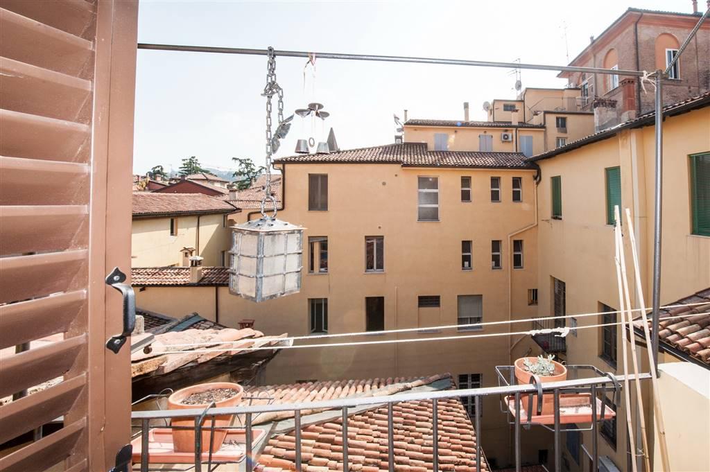 Trilocale in Via d Azeglio 42, Centro Storico, Bologna