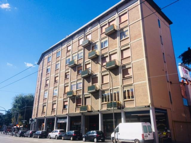 Appartamento in Via Massarenti 108, Bologna